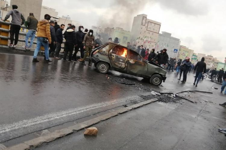 2019_11_16_EPAselect-Iran_fuel_protests.jpg