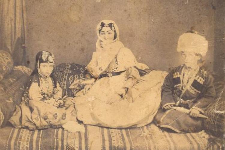 2020_05_08_Hurshidbanu_Natavan_with_her_children_2.jpg